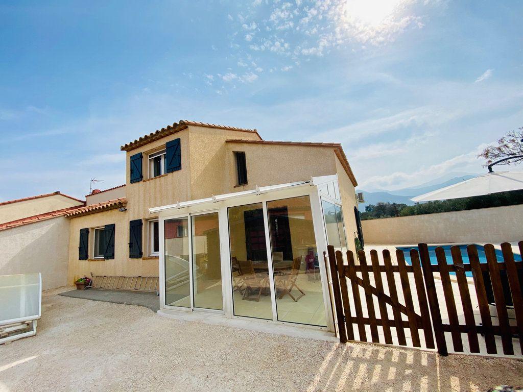 Maison à vendre 5 101m2 à Argelès-sur-Mer vignette-2