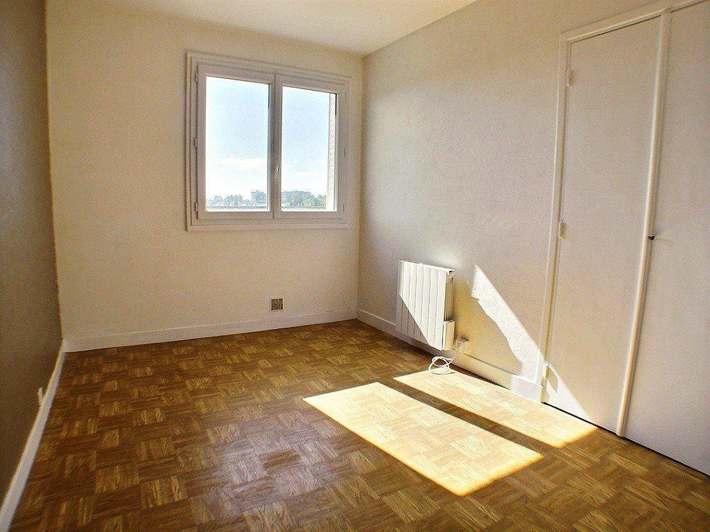 Appartement à louer 2 33.3m2 à Le Creusot vignette-2