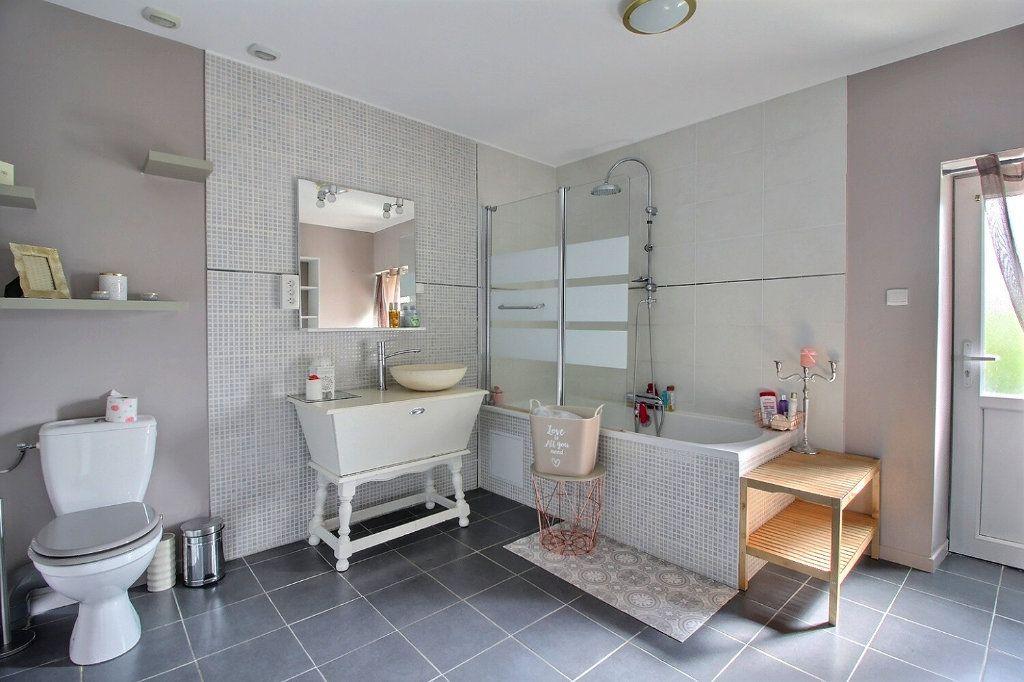 Maison à vendre 5 140m2 à Saint-Vallier vignette-5