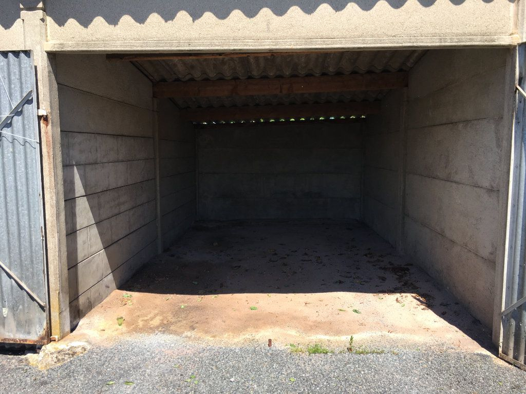 Stationnement à louer 0 15m2 à Le Creusot vignette-2