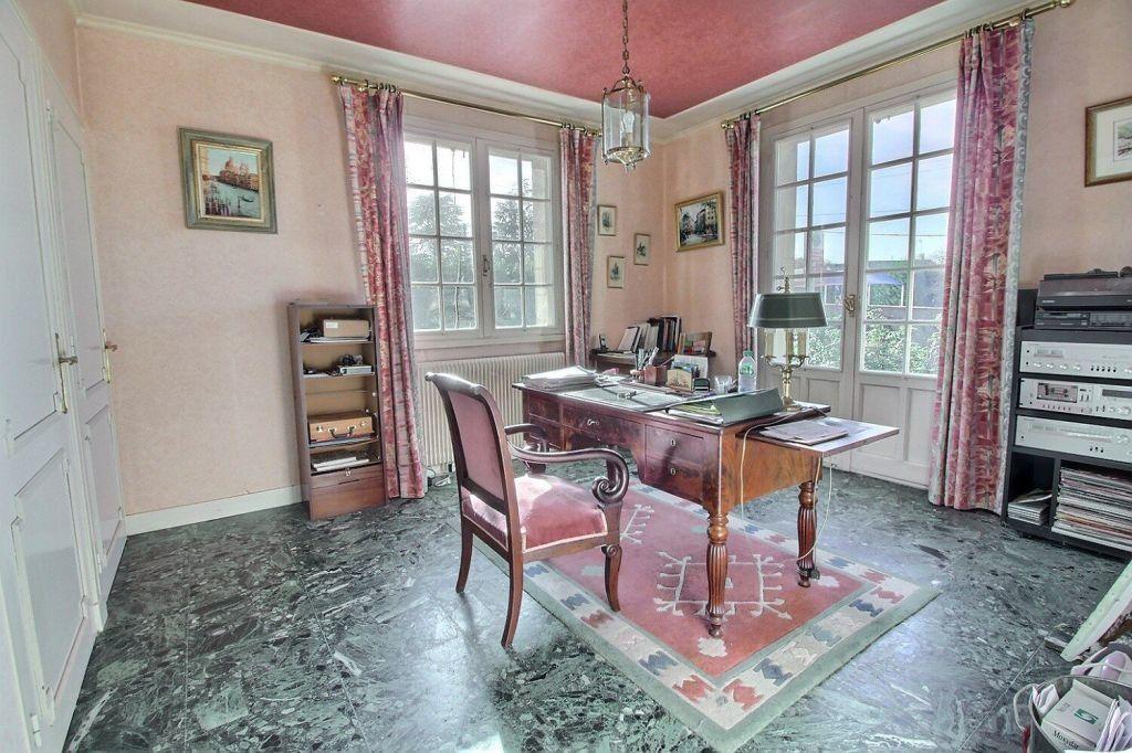 Maison à vendre 8 206m2 à Le Creusot vignette-6
