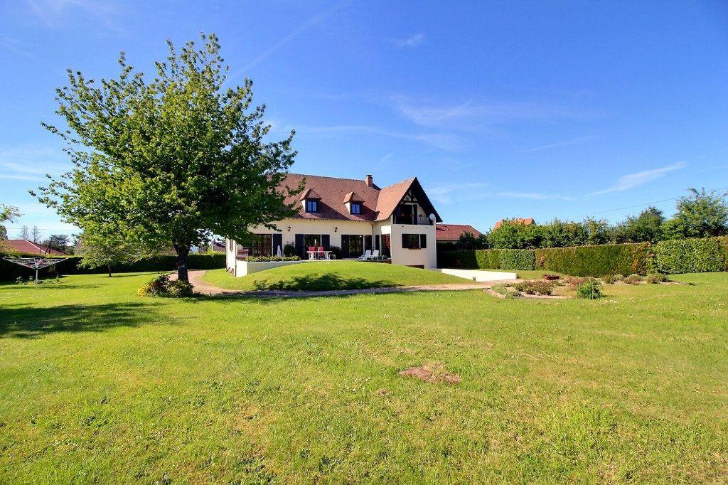 Maison à vendre 9 315.5m2 à Saint-Vallier vignette-1