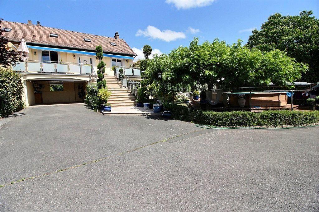 Maison à vendre 9 288m2 à Le Creusot vignette-1