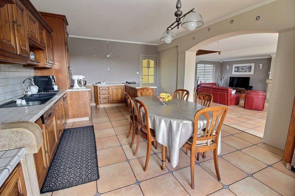 Maison à vendre 9 288m2 à Le Creusot vignette-5