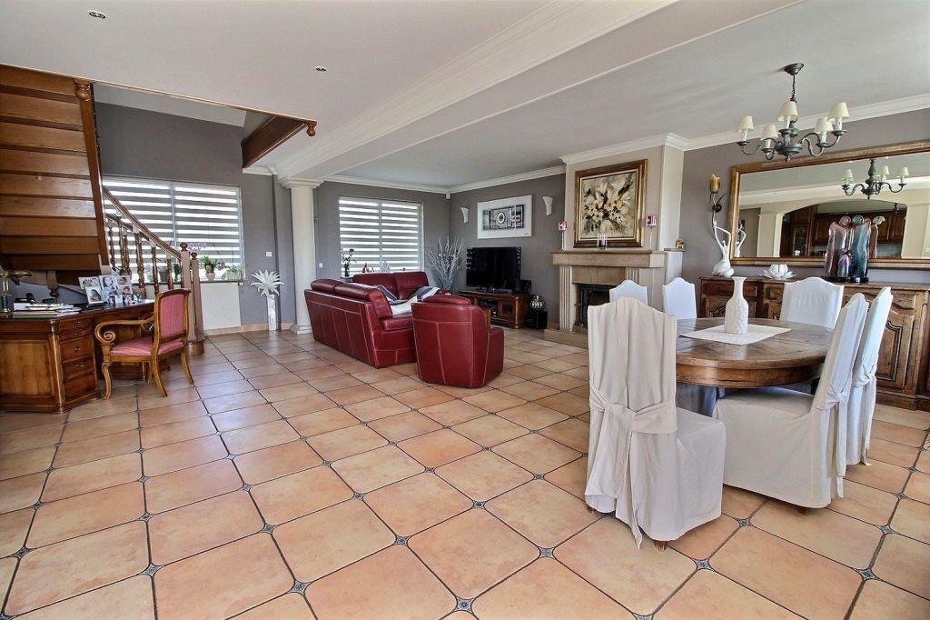 Maison à vendre 9 288m2 à Le Creusot vignette-6