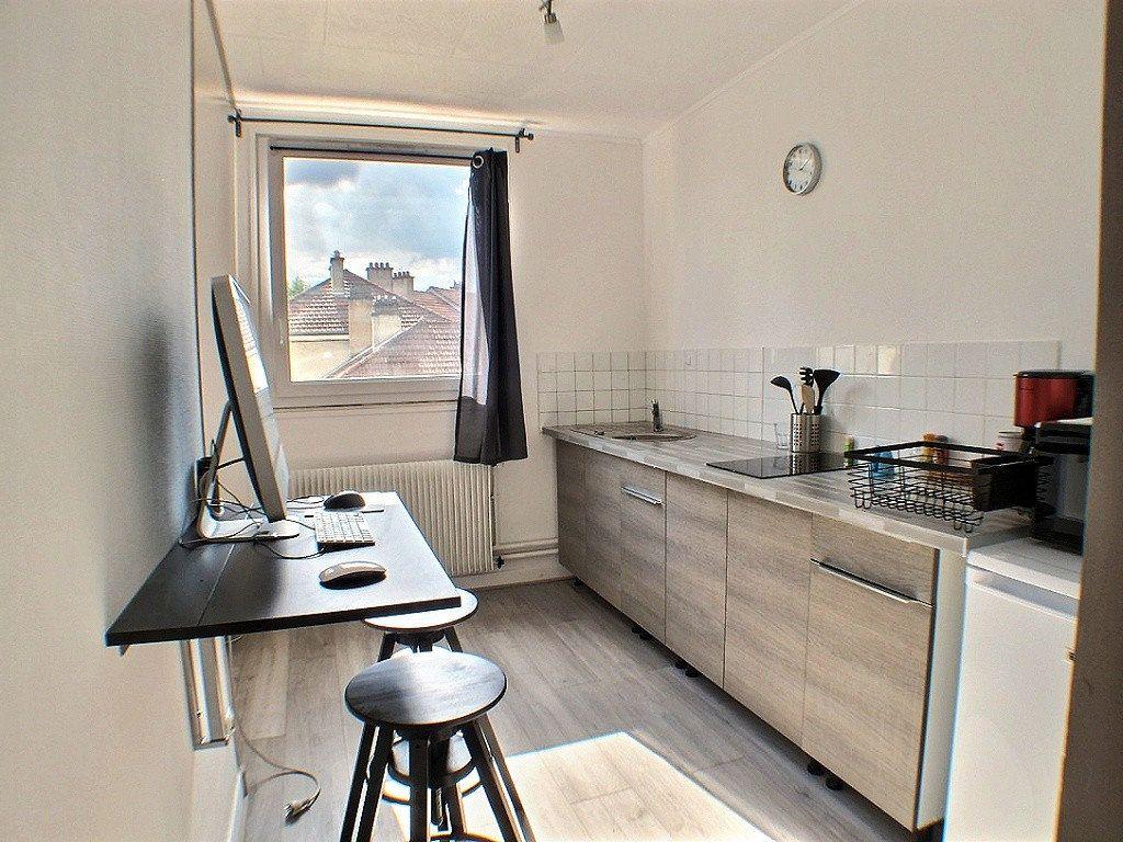 Appartement à louer 1 33.18m2 à Le Creusot vignette-3