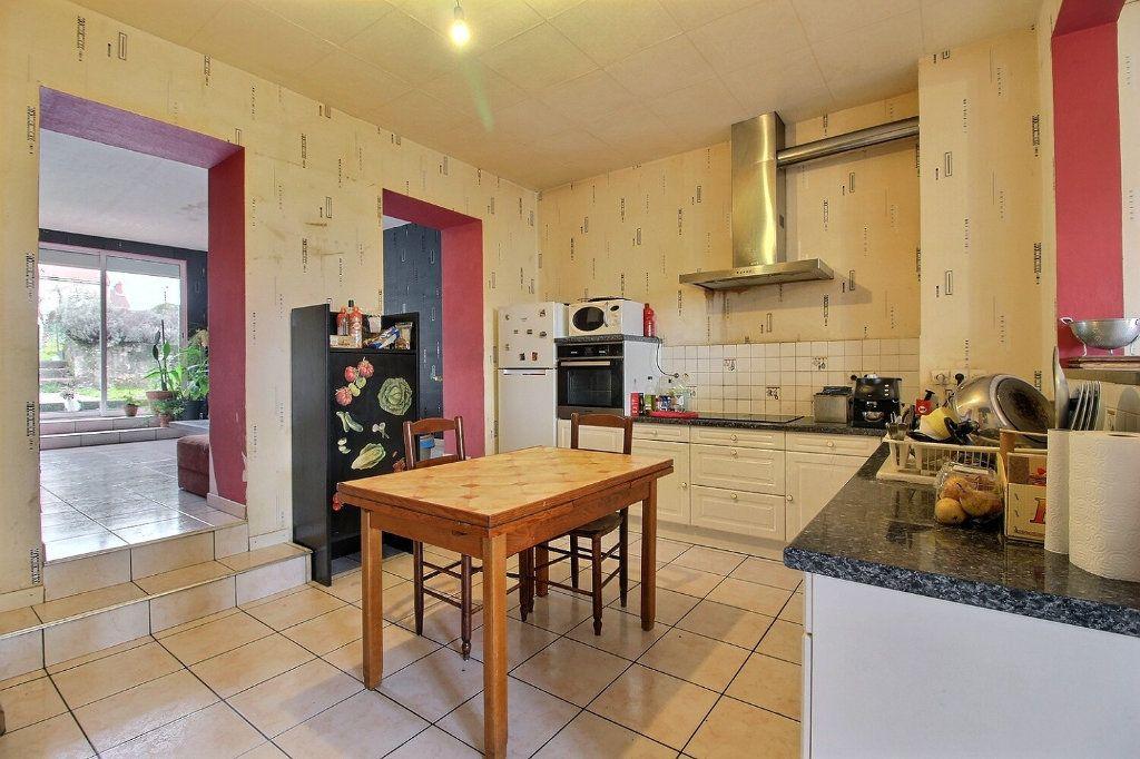 Maison à vendre 7 140m2 à Le Creusot vignette-1