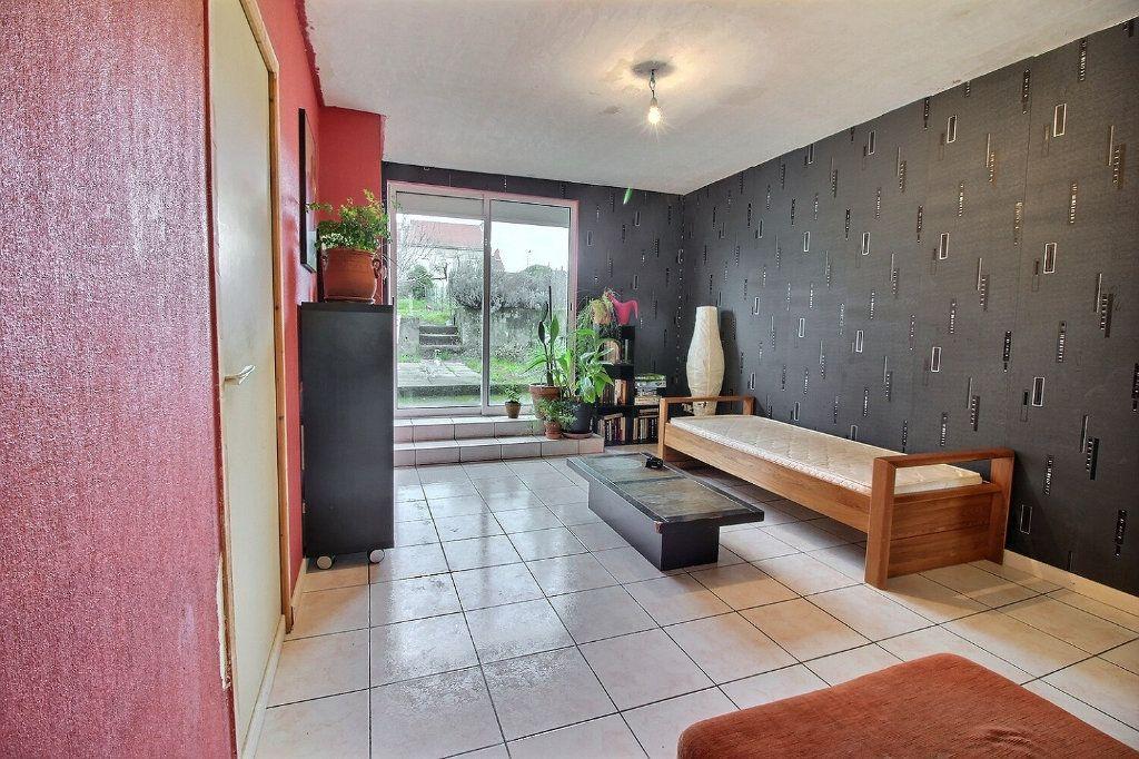 Maison à vendre 7 140m2 à Le Creusot vignette-2