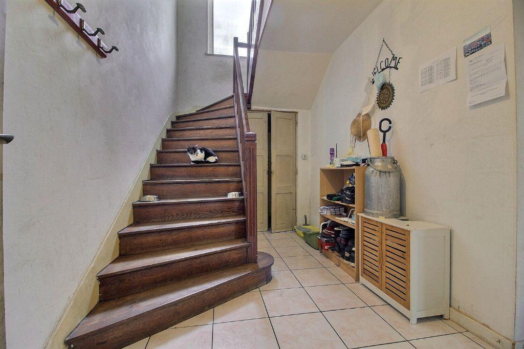 Maison à vendre 7 140m2 à Le Creusot vignette-3