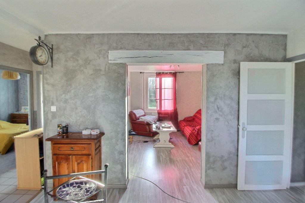 Appartement à vendre 3 73.57m2 à Le Creusot vignette-3