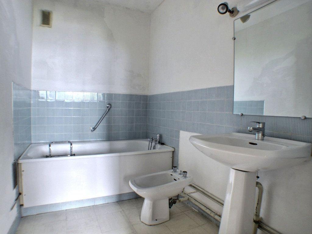 Appartement à vendre 4 90.88m2 à Chenôve vignette-12