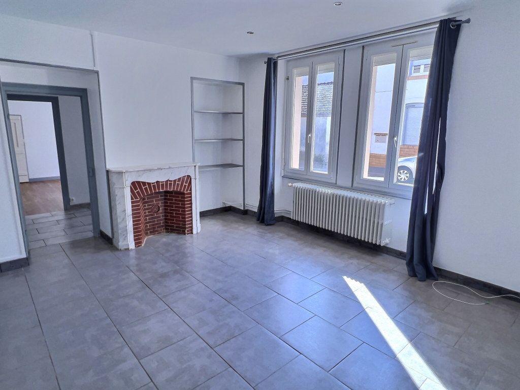 Appartement à louer 3 84.94m2 à Le Creusot vignette-1