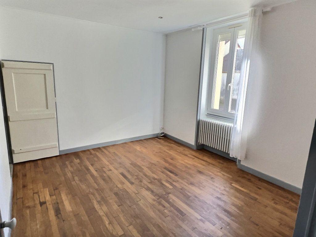 Appartement à louer 3 84.94m2 à Le Creusot vignette-4
