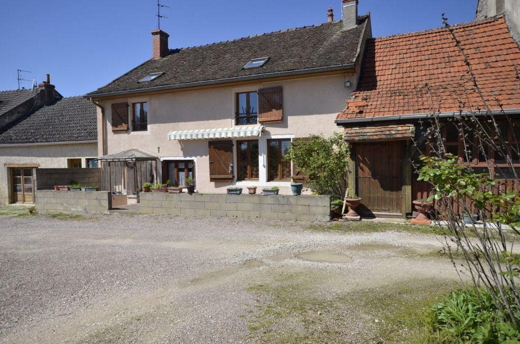 Maison à vendre 7 169.1m2 à Ladoix-Serrigny vignette-4