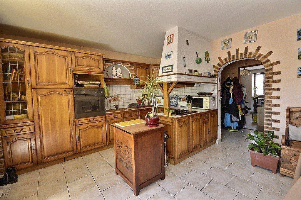 Maison à vendre 7 169.1m2 à Ladoix-Serrigny vignette-6