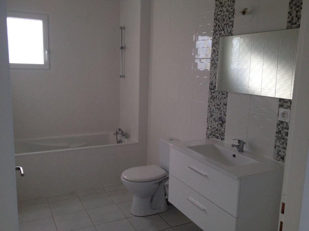 Appartement à louer 4 64m2 à Pont-de-Chéruy vignette-4