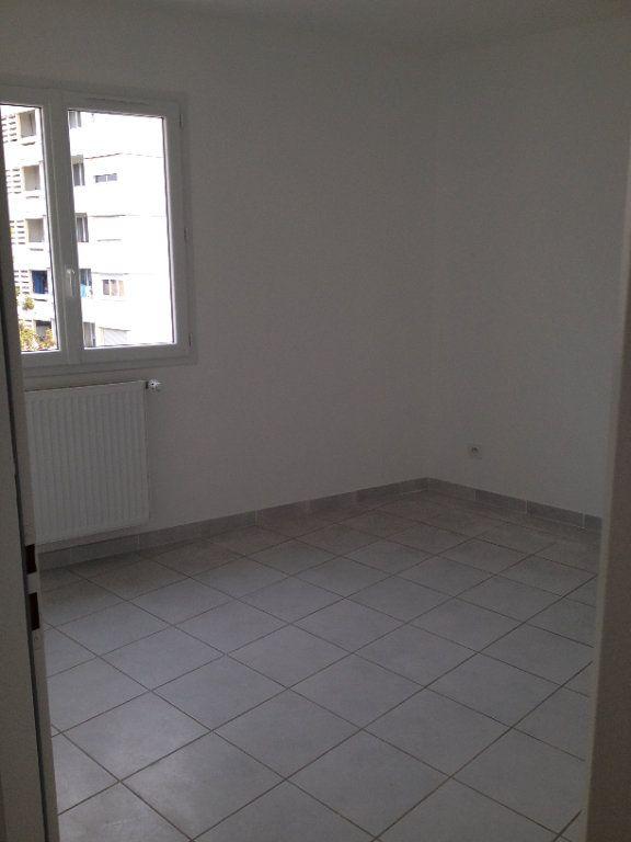 Appartement à louer 4 64m2 à Pont-de-Chéruy vignette-5