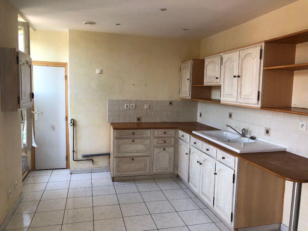 Appartement à vendre 2 65m2 à Pont-de-Chéruy vignette-1