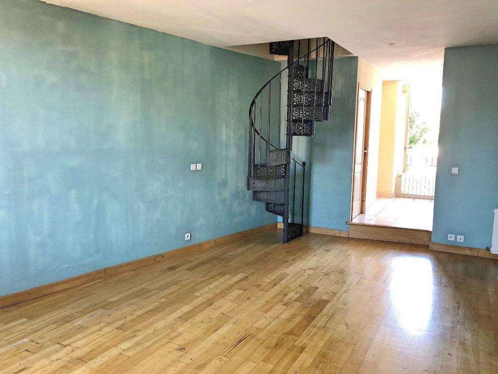 Appartement à vendre 2 65m2 à Pont-de-Chéruy vignette-2