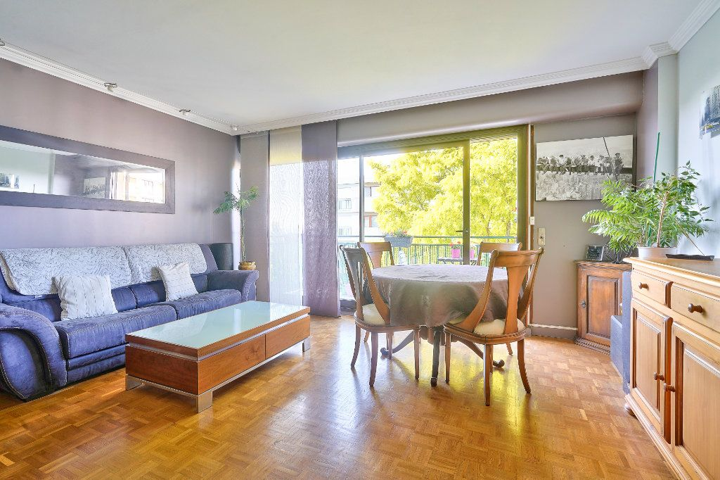 Appartement à vendre 3 70.13m2 à Rueil-Malmaison vignette-2