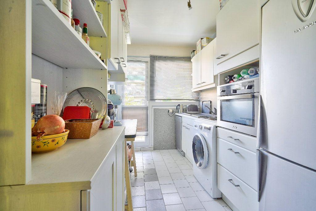 Appartement à vendre 3 70.13m2 à Rueil-Malmaison vignette-5