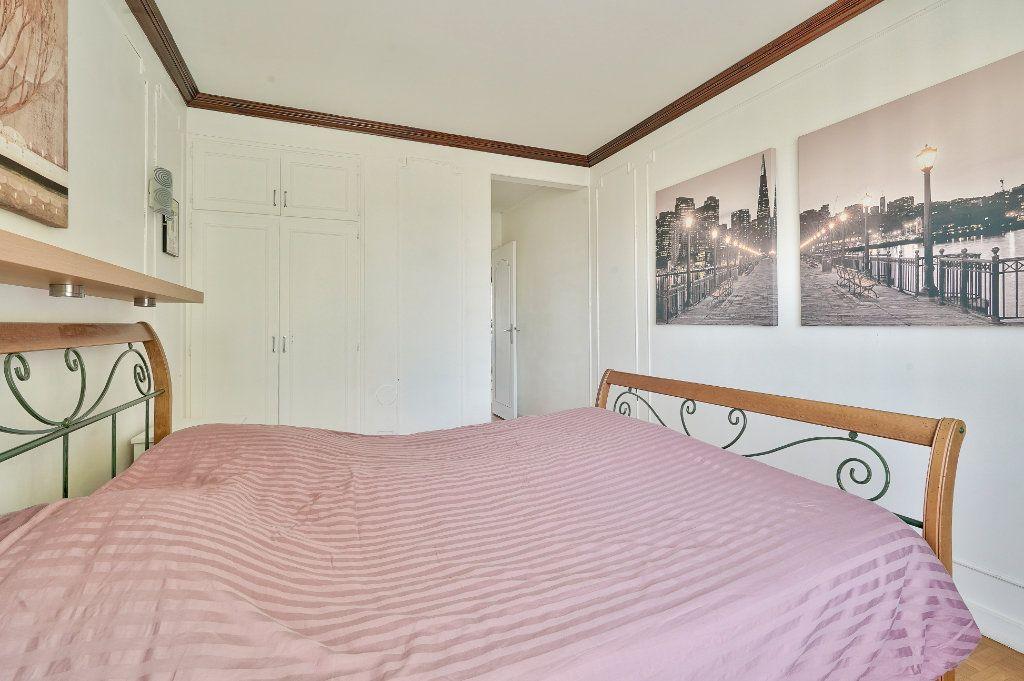 Appartement à vendre 3 70.13m2 à Rueil-Malmaison vignette-7