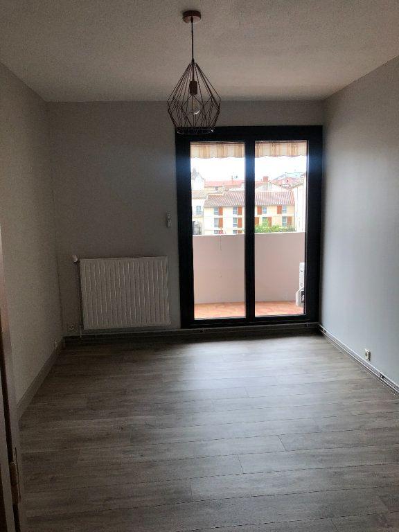 Appartement à louer 2 64.47m2 à Agen vignette-3