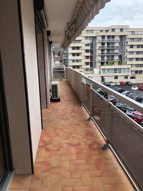 Appartement à louer 2 64.47m2 à Agen vignette-4