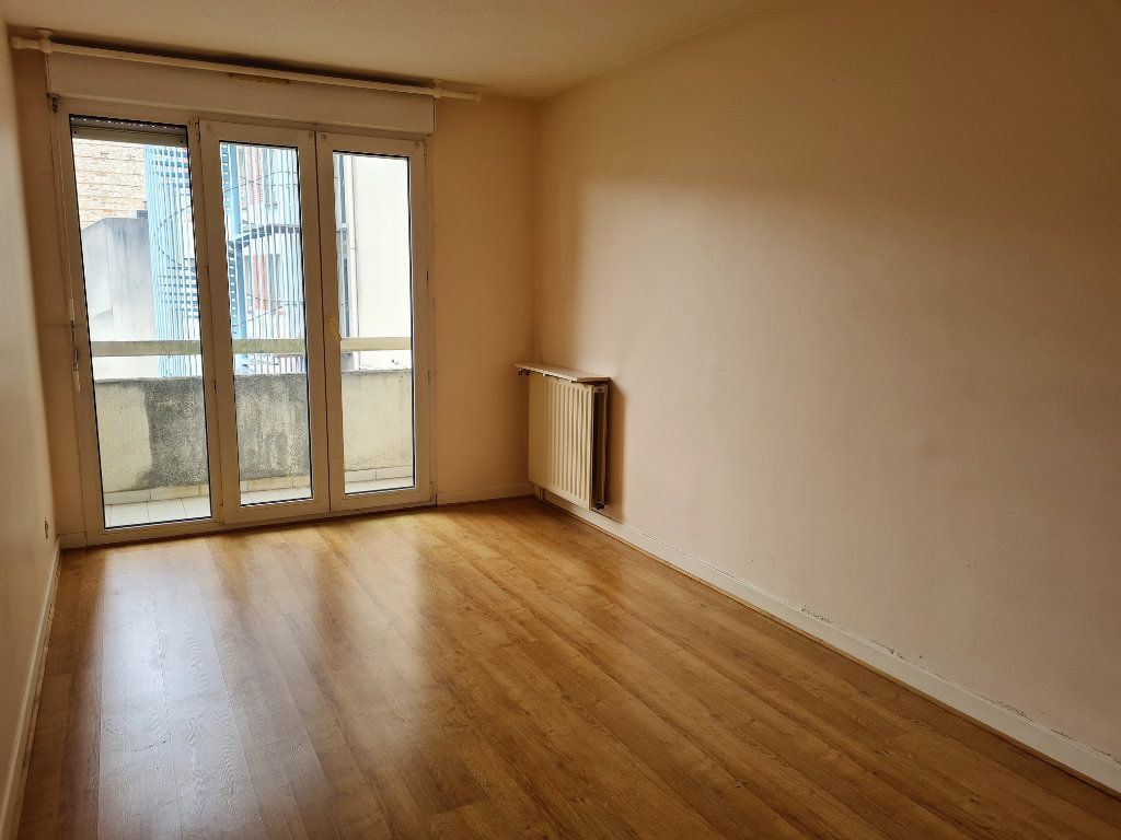 Appartement à louer 2 57.73m2 à Agen vignette-4