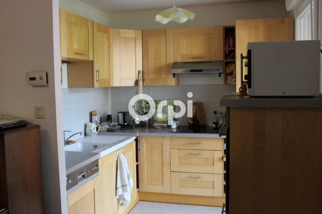 Appartement à louer 2 47m2 à Belfort vignette-2