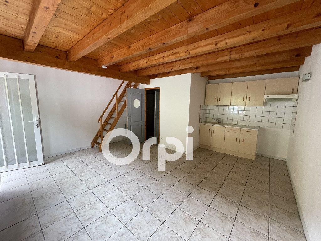 Appartement à louer 2 47m2 à Sochaux vignette-1