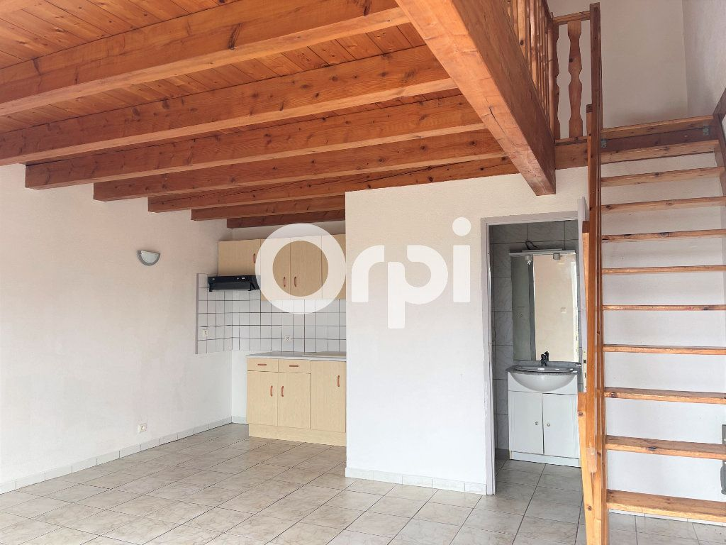 Appartement à louer 3 57m2 à Sochaux vignette-1