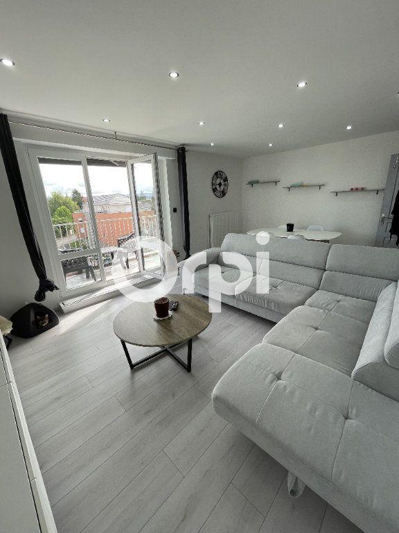 Appartement à louer 3 72.24m2 à Audincourt vignette-1