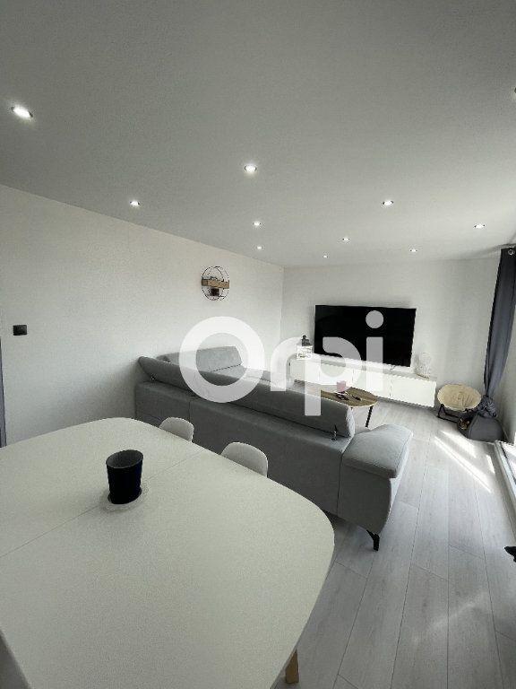 Appartement à louer 3 72.24m2 à Audincourt vignette-2
