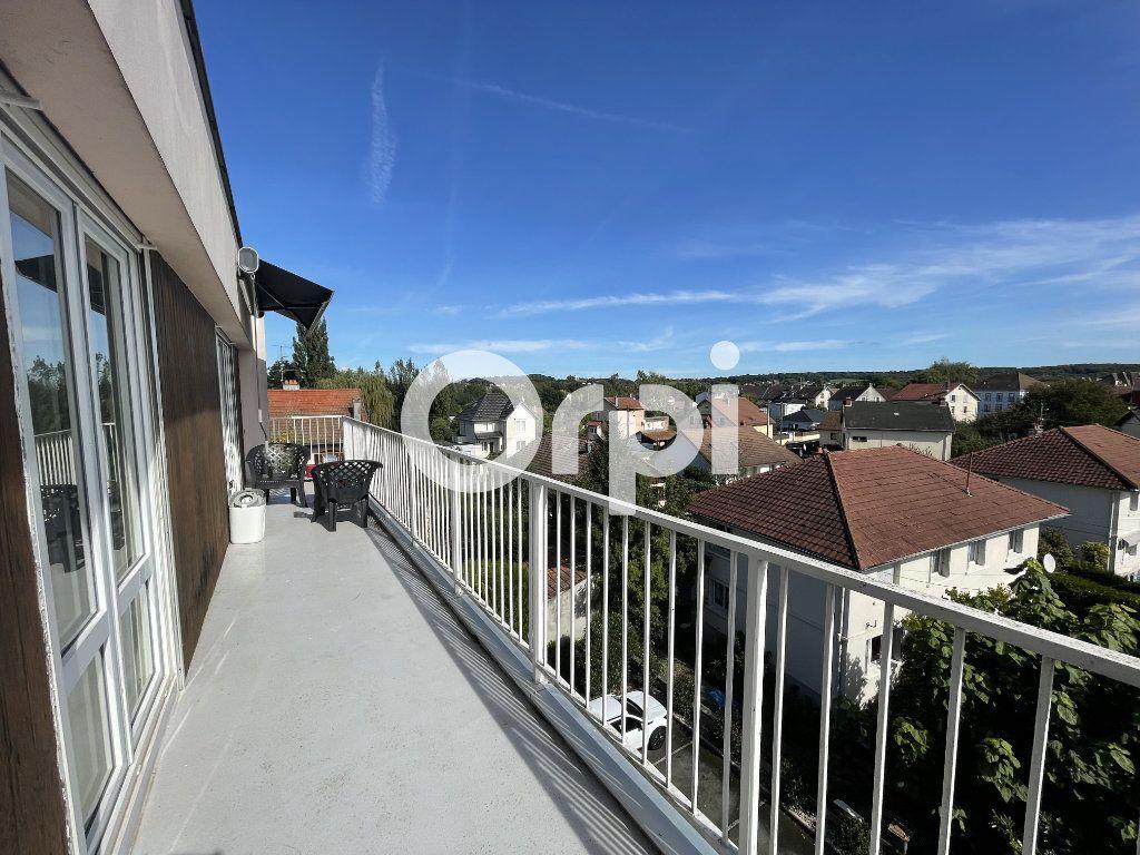 Appartement à louer 3 72.24m2 à Audincourt vignette-3