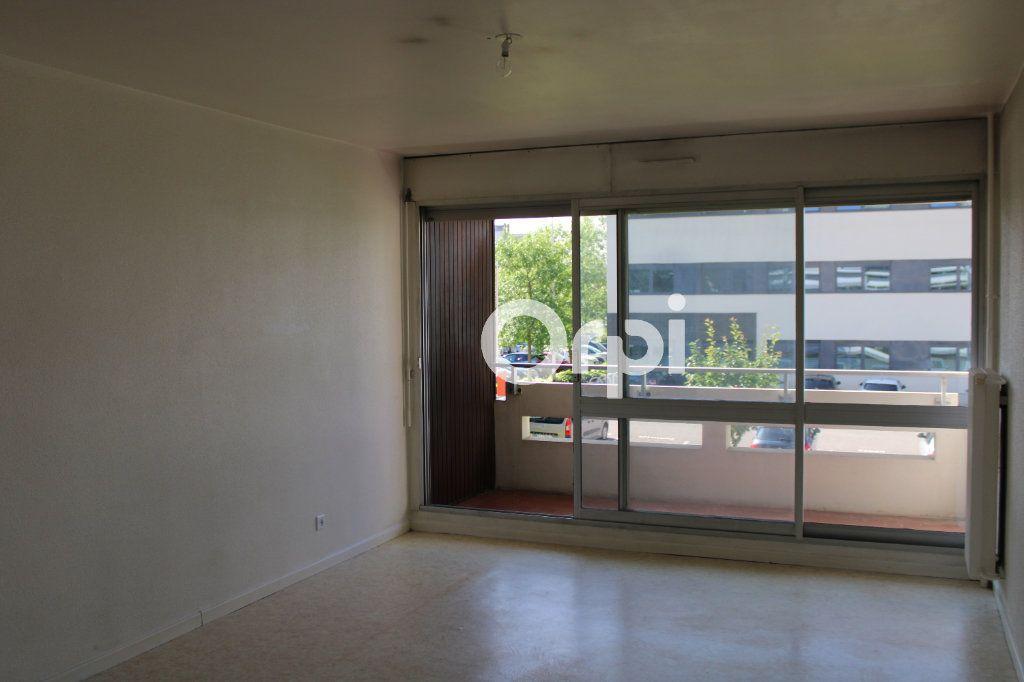 Appartement à louer 2 55m2 à Montbéliard vignette-1