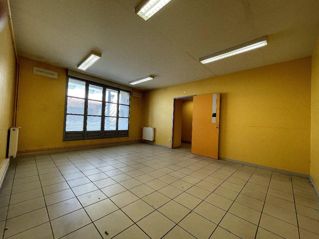 Appartement à vendre 4 110.96m2 à Livron-sur-Drôme vignette-4