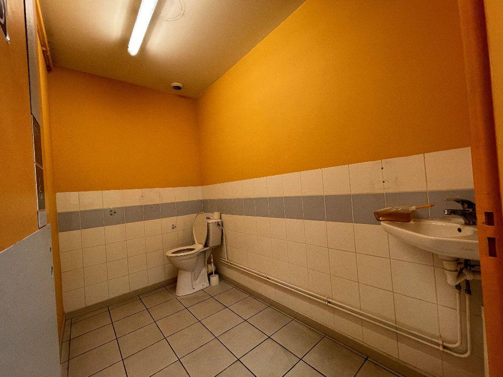 Appartement à vendre 4 110.96m2 à Livron-sur-Drôme vignette-7