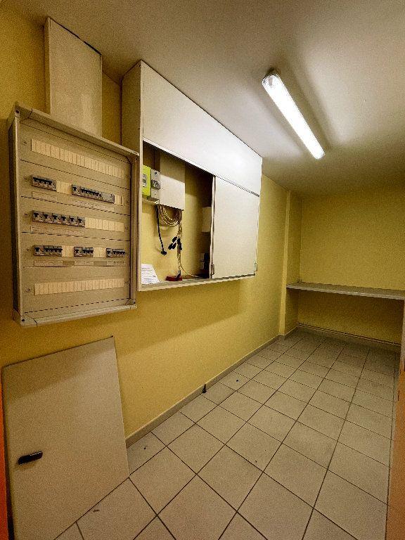 Appartement à vendre 4 110.96m2 à Livron-sur-Drôme vignette-9