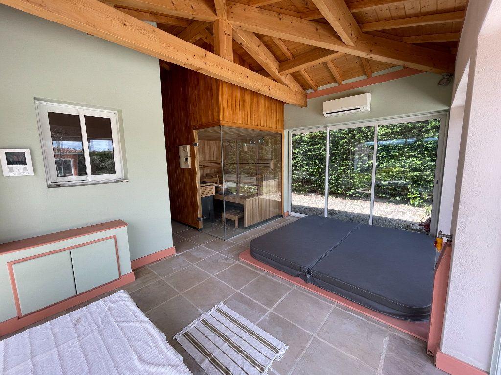 Maison à vendre 9 317m2 à Chabeuil vignette-10