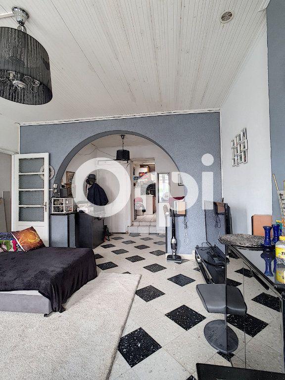 Maison à vendre 5 120m2 à Le Cateau-Cambrésis vignette-1