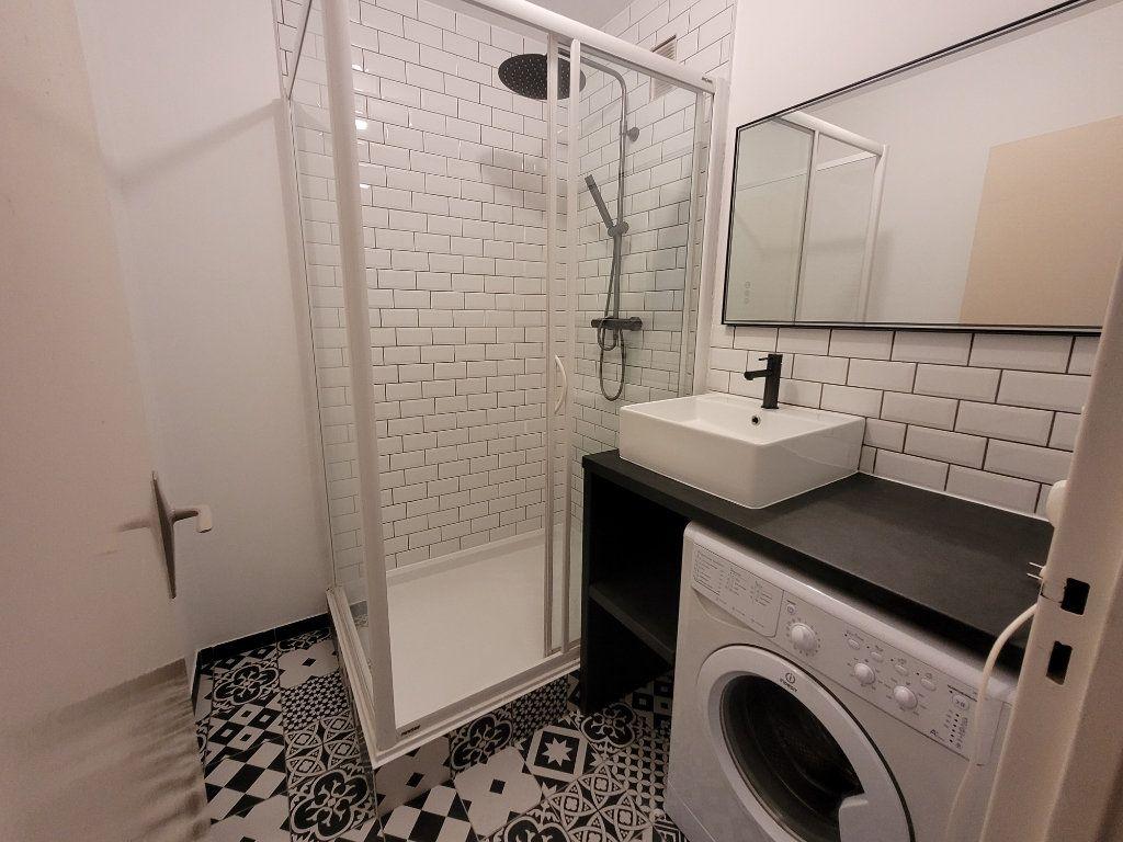 Appartement à louer 1 75.9m2 à Saint-Brieuc vignette-8