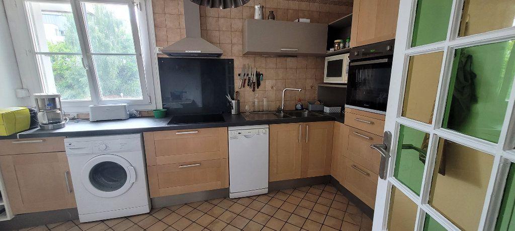 Appartement à vendre 4 76.25m2 à Saint-Brieuc vignette-3