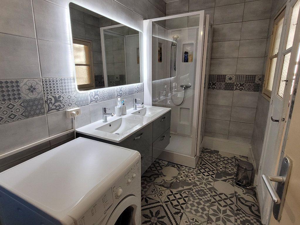 Appartement à louer 4 11m2 à Saint-Brieuc vignette-9
