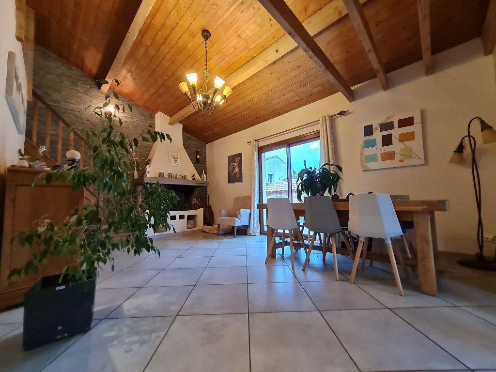 Maison à vendre 7 140m2 à Saint-Geniès-de-Malgoirès vignette-2