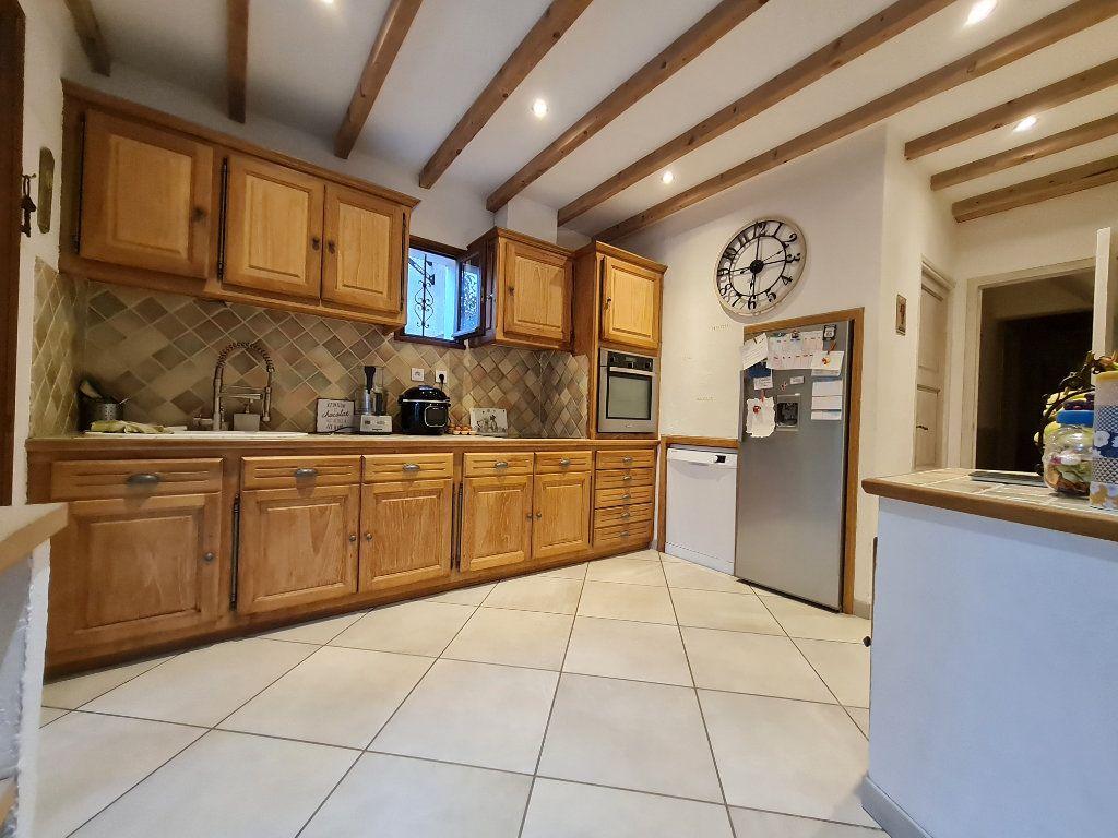 Maison à vendre 7 140m2 à Saint-Geniès-de-Malgoirès vignette-4