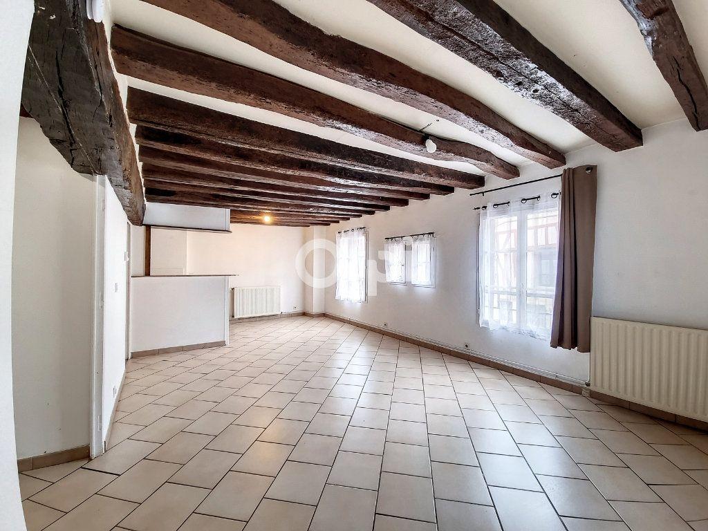 Appartement à louer 3 69.3m2 à Provins vignette-1