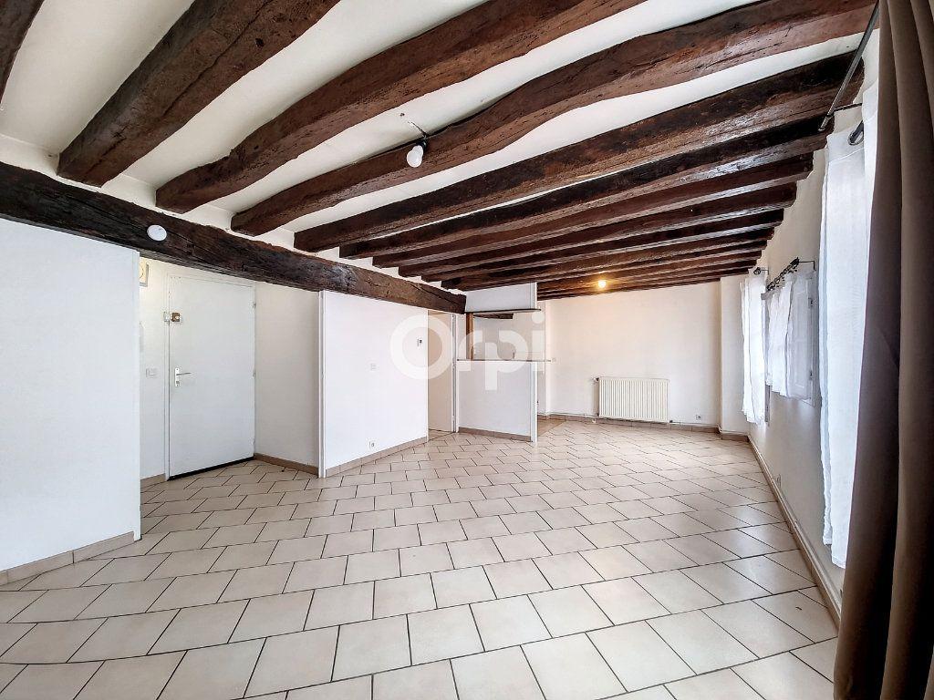 Appartement à louer 3 69.3m2 à Provins vignette-2