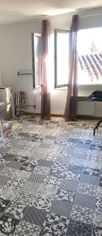 Appartement à louer 1 29.5m2 à Six-Fours-les-Plages vignette-4