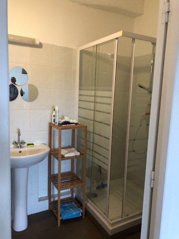 Appartement à louer 1 29.5m2 à Six-Fours-les-Plages vignette-6